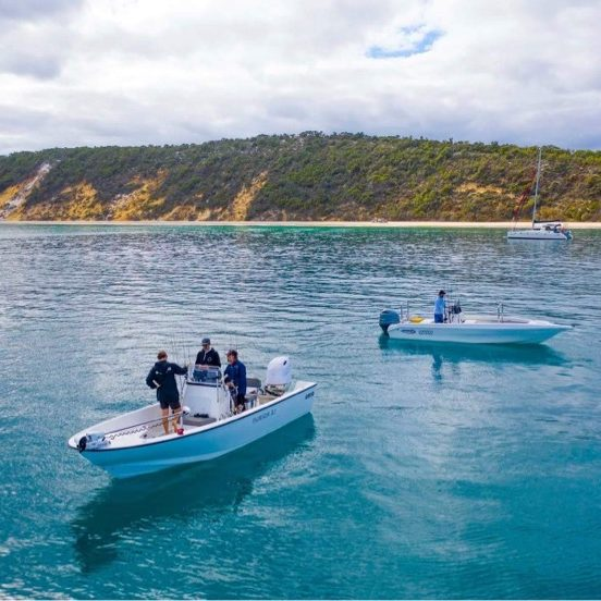 Sportsfishing and bareboating Fraser Island